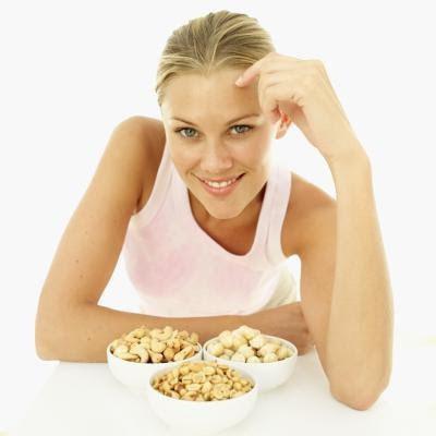 Чем полезен кедровый орех для женщин? Свойства, применение, рецепты и противопоказания