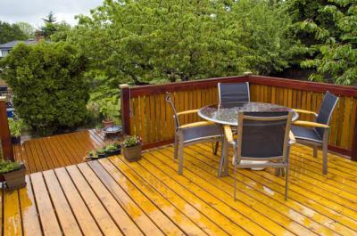 Эффективная защита древесины от влаги и гниения