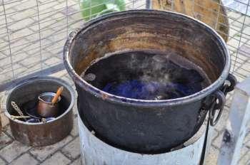 Пекмез (бекмес) – что это; полезные свойства и применение; польза и вред; использование в кулинарии и лечении; рецепты приготовления