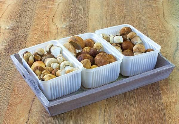 Как правильно заморозить белые грибы на зиму в морозилке в домашних условиях: способы заморозки