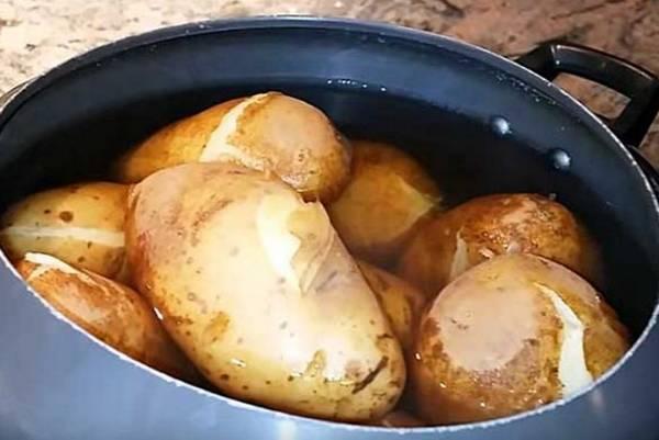 Можно ли кроликам давать сырой картофель